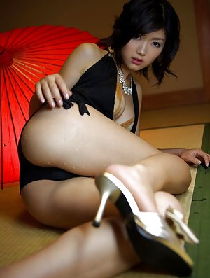 High Heels Asian Pics