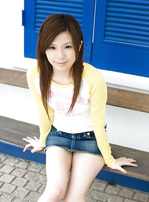Jeans Asian Pics