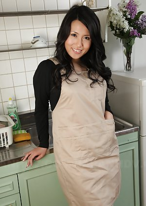 Housewife Asian Pics